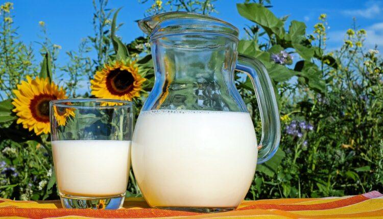 склянка молока